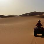 Atardecer por las dunas de Erg Chebbi