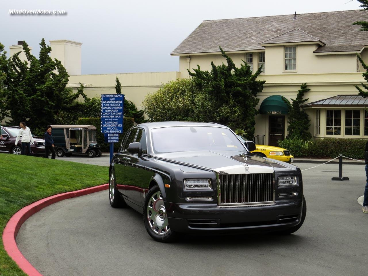 Rolls-Royce Phantom Series II Front Angle Left