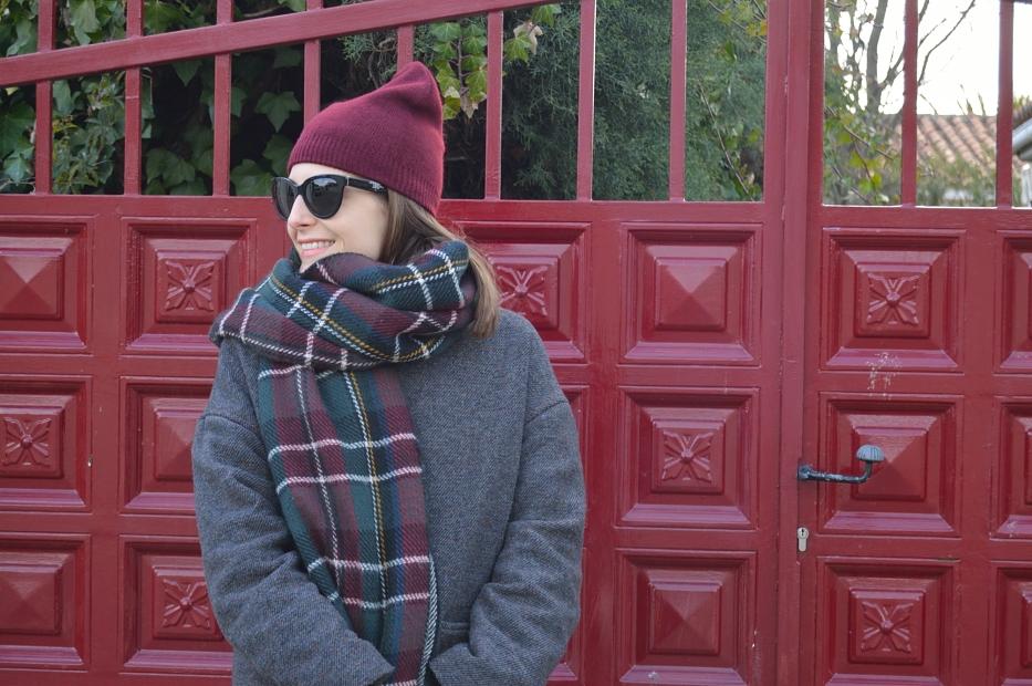 lara-vazquez-mad-lula-style-burgundy-beanie-winter