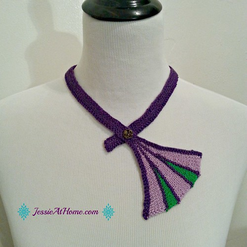 Divergent-Necklace-Free-Knit-Pattern-by-Jessie-At-Home