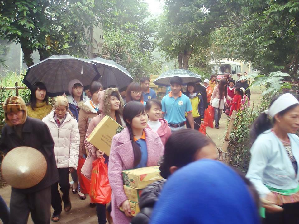 Toàn cảnh Chương trình thiện nguyện - hành hương của nhóm SVCG Phát Diệm tại Nam Định