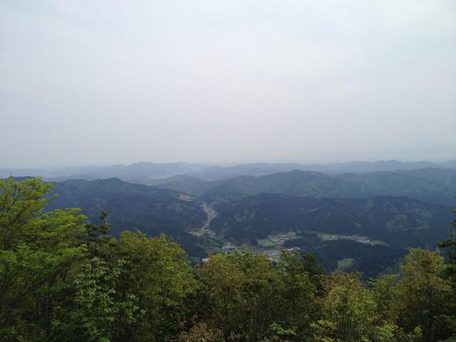 相戸岳 山頂より南相戸集落