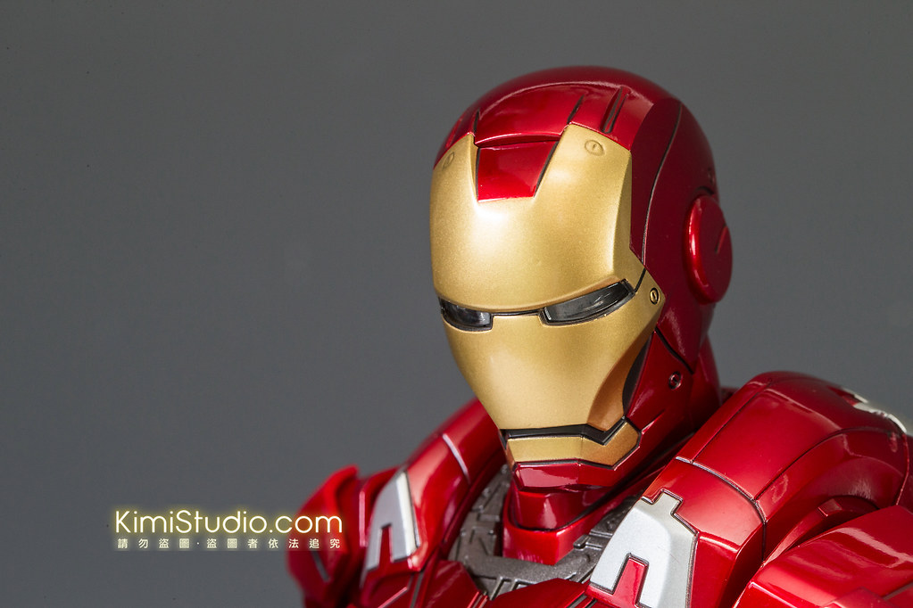 2013.06.11 Hot Toys Iron Man Mark VII-023
