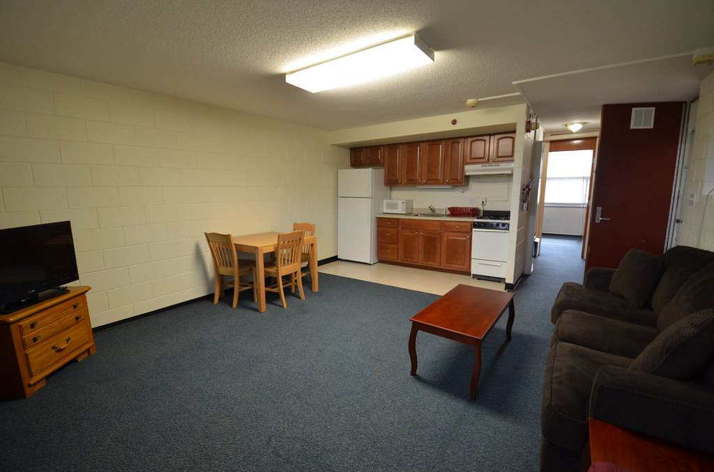 E s king village guest apartments nc state university for One bedroom apartments near ncsu
