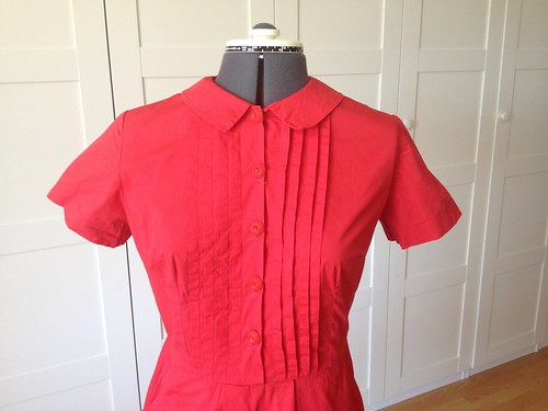 red poplin Simplicity 6894 bodice