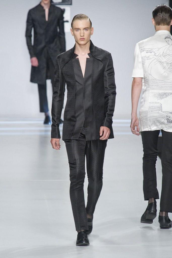 Jeroen Smits3030_SS14 Milan Ji Wenbo(fashionising.com)