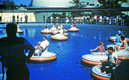 Tomorrowland Flying Saucers - 1962