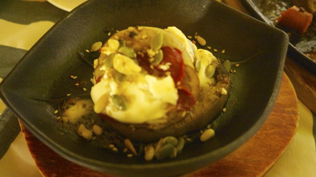 La Abadia @ Toledo: 羊奶起士烤蔬菜,有點怕羊奶味,但烤蔬菜真是太好味了