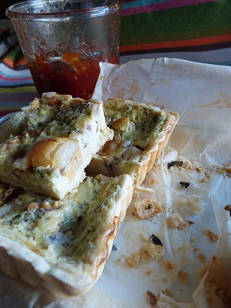 taret poire gorgonzola découpée