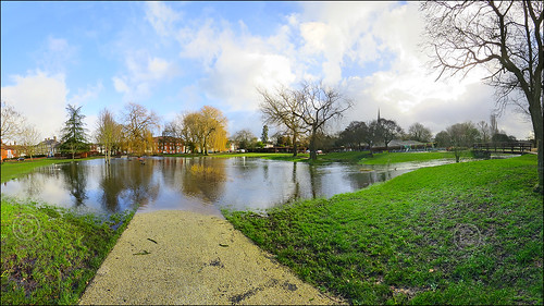 Elizabeth Gardens - Flooding Continues (End January 2014)
