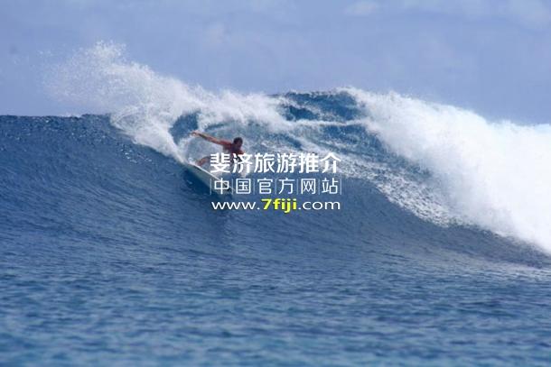 斐济努库巴蒂全包度假酒店(Nukubati Island Resort)冲浪