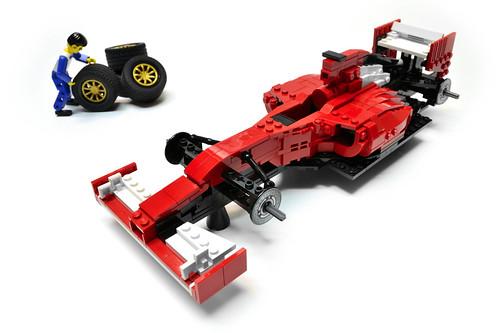 Ferrari F14 T (13)