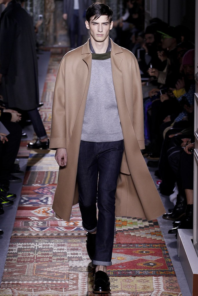 FW14 Paris Valentino002_Ian Sharp(VOGUE)