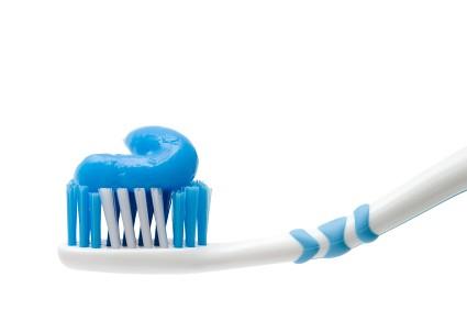 4-18-12-toothbrush-istock_000014079156xsmall