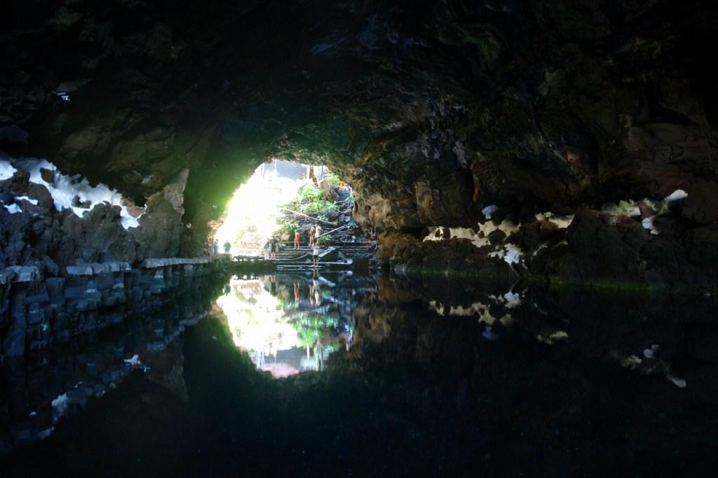 Interior de los jameos del Agua, donde viven los cangrejos albinos ciegos lugares que visitar en lanzarote - 12882657824 ee74e16728 o - 5 increíbles lugares que visitar en Lanzarote