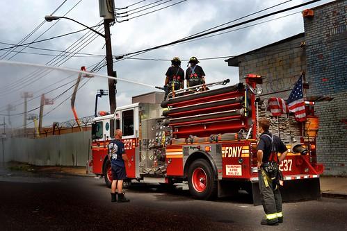FDNY Engine 237 captured @ a MUD in Brooklyn, NYC