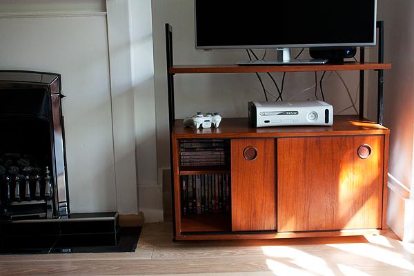 midcentury-tv-cabinet-2