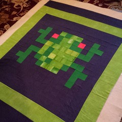 Free pattern for the center block on fandominstitches.com. This one to be donated to #TheLinusConnection. #blanketcharity #basting #frogger