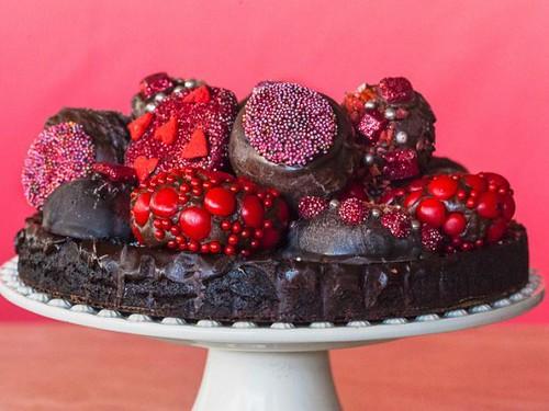 JACKIE ALPERS PHOTOGRAPHY | jeweled truffle chocolate cake