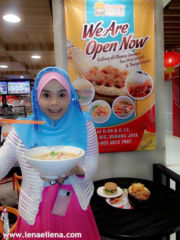 Tom Yam Soup With Rice/Mee Hoon - RM 15.90