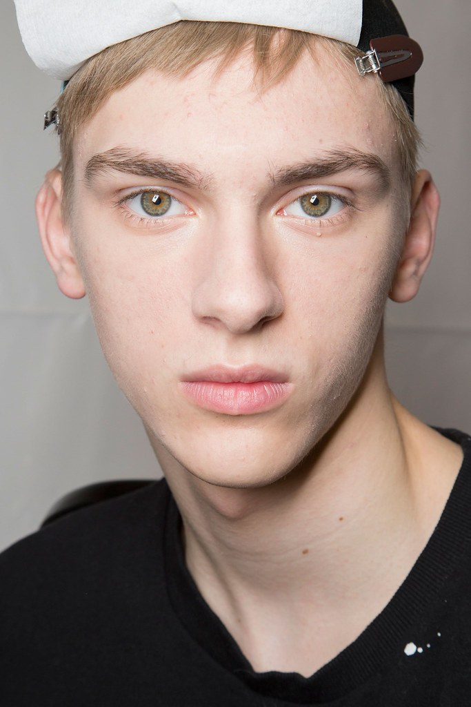 Dominik Sadoch3266_FW15 Paris Louis Vuitton(fashionising.com)