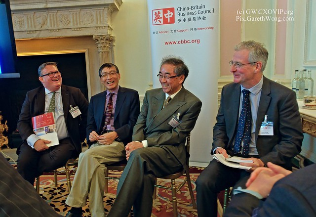 Stephen Phillips CEO CBBC & Chairman, EU-China Business Association (EUCBA) Li Wei, Professor of Economics CKGSB, Leslie Young, Professor of Economics, CKGSB Moderated by: James Kynge, Emerging Markets Editor, FT from RAW _DSC5377