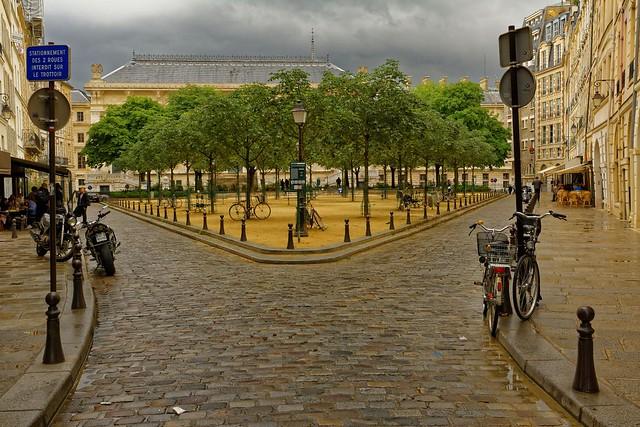 Paris / Place Dauphine