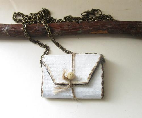 paper-purse pendant