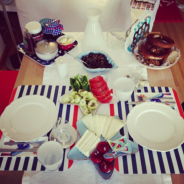 Uzuun bi aradan sonra kahvaltiya misafir..☺