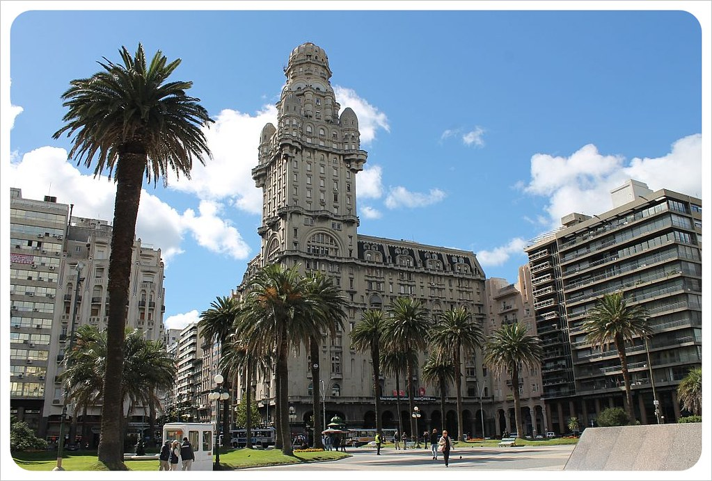 montevideo plaza independencia building