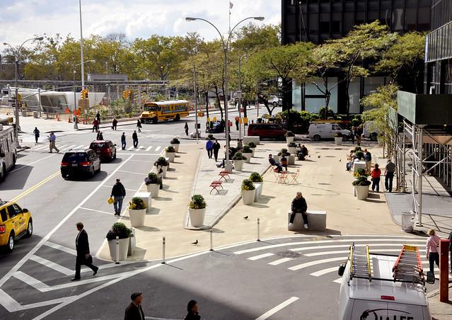 Пешеходная площадь в Нью-Йорке. Фото: NYC DOT