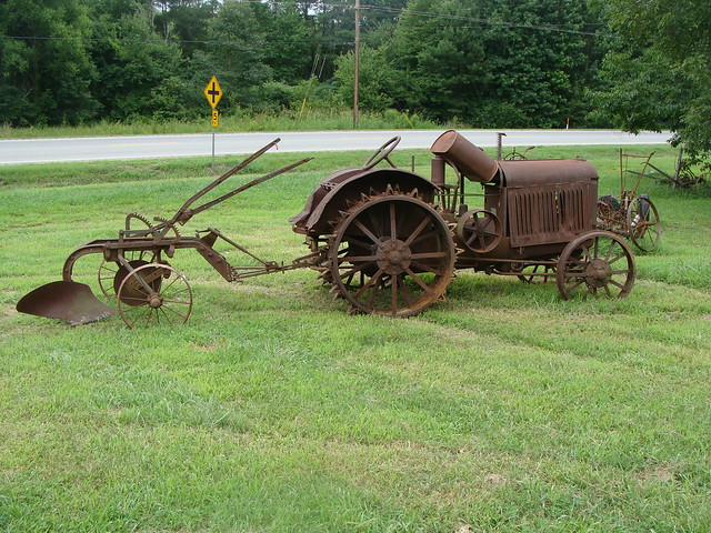 Old Metal Wheels With Tractor : Old rusty tractor with metal wheels plow piedmont al