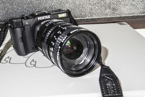 Q7 with Pentax TV Zoom 8-48mm 1:1.0 -1