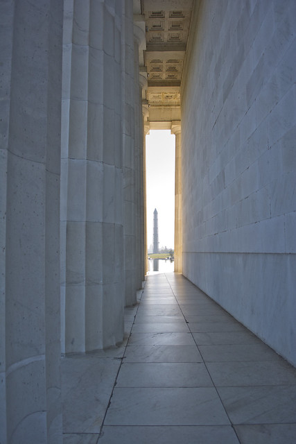 looking E through N arcade - Lincoln Memorial - 2013-09-30