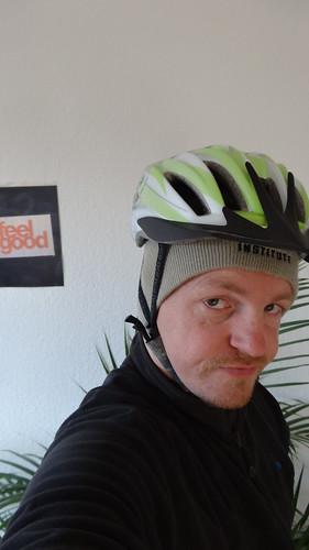 Der Autor trägt Helm.