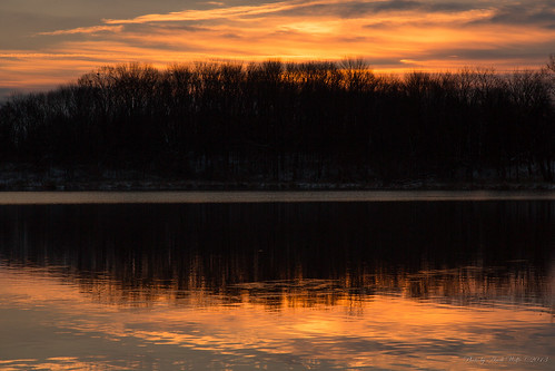 Winter Sunrise at Pickerington Ponds by andiwolfe