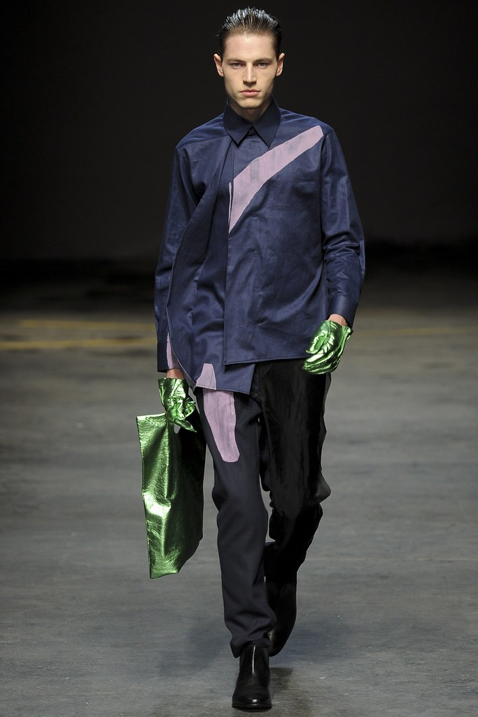 FW14 London MAN-Alan Taylor011_Jonas Kloch(VOGUE)