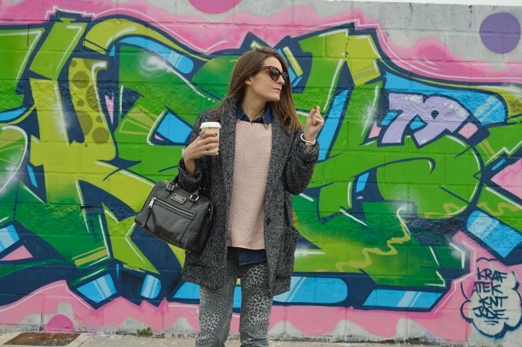 lara-vazquez-madlula-blog-grey-pink-ouftit