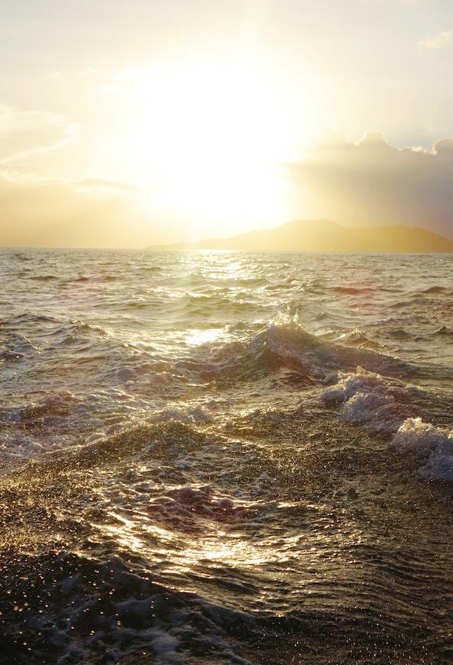 El Nido Palawan island hopping sunset