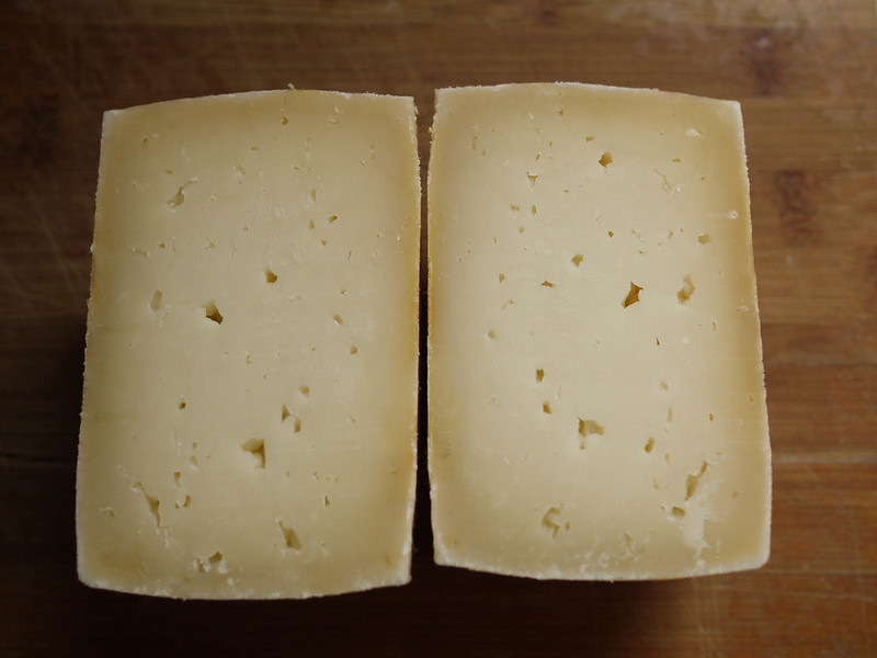 Clothbound goat milk cheddar - paste