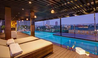 Swiming Pool | Golden Lotus Luxury