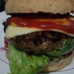 blt(0.0), slider(0.0), produce(0.0), breakfast sandwich(0.0), big mac(0.0), sandwich(1.0), lunch(1.0), hamburger(1.0), meat(1.0), veggie burger(1.0), food(1.0), whopper(1.0), dish(1.0), fast food(1.0), cheeseburger(1.0),