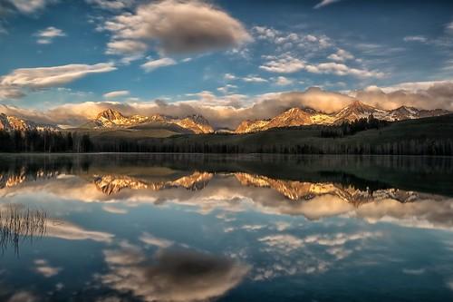camping sunrise reflections dawn idaho stanley daybreak sawtooths epiphany sawtoothmountains littleredfishlake