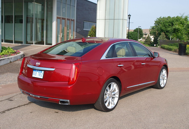2013 Cadillac XTS Premium AWD 9