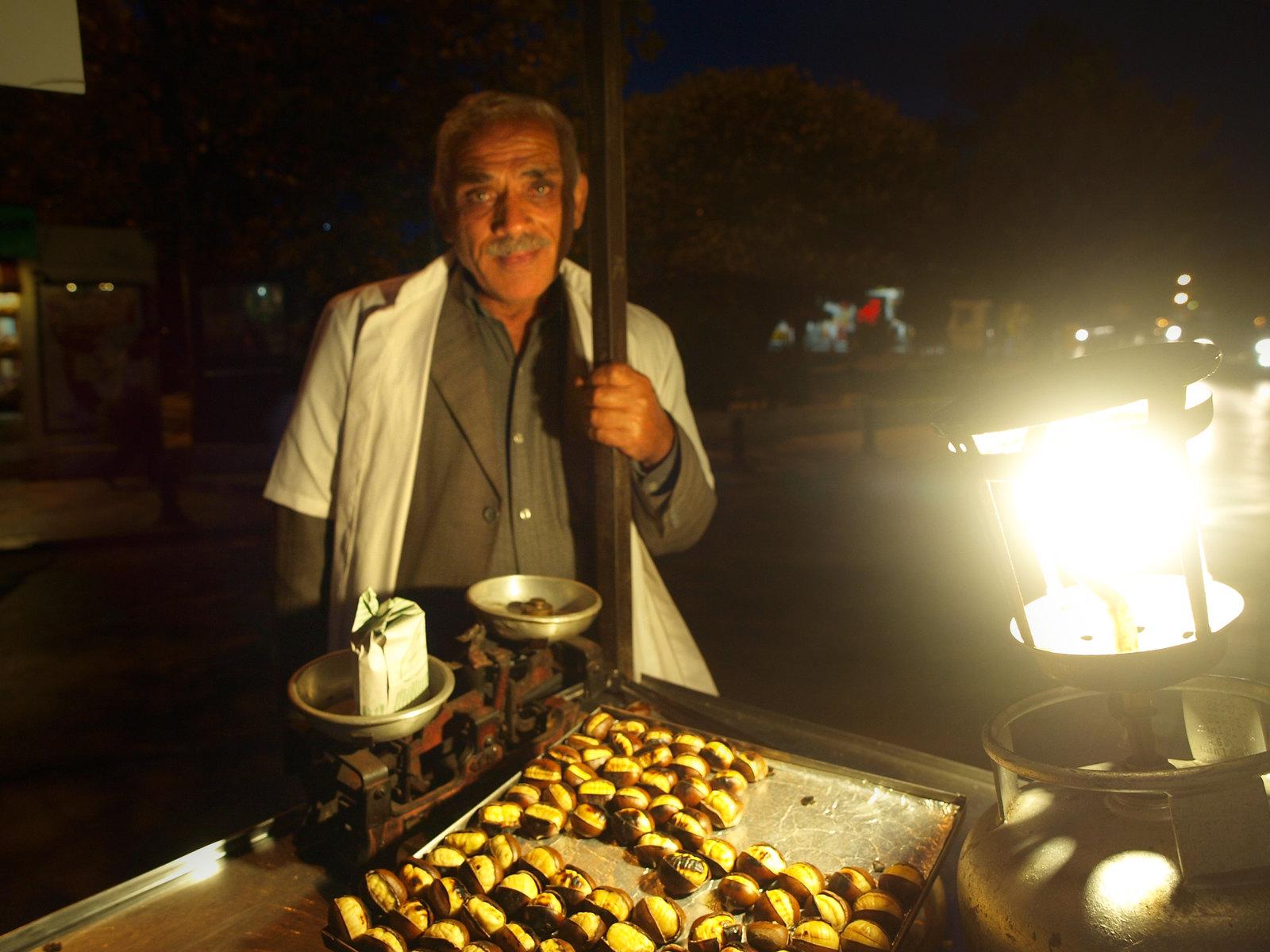 Istanbul - Le vendeur de marrons chauds
