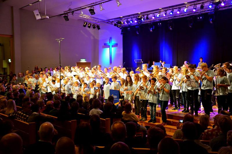 Brassbandfestivalen 2013 - 140 Minibrassare på scenen (Foto: Olof Forsberg)