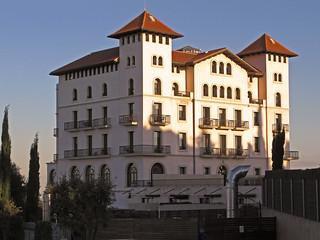 Un  edificio con vistas...pero en donde ? Hotel La Florida * Tibidabo