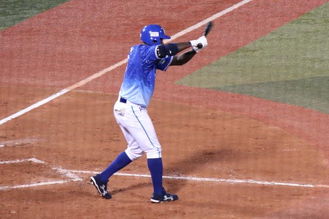 横浜DeNAベイスターズナイジャーモーガン (16)