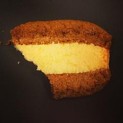 produce(0.0), icing(0.0), cake(1.0), baking(1.0), baked goods(1.0), food(1.0), sponge cake(1.0), dessert(1.0), cuisine(1.0),