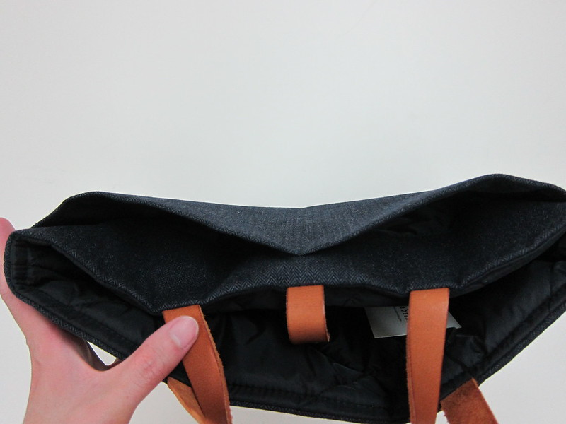 Fabrix Laptop Carrier Bag - 2x Smaller Side Pocket